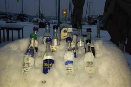 Μετά Απο 27 Χρόνια Χιονισμένη Πρωτοχρονιά 2015 Στο Βόλο Ουζερί ΤΑ ΚΥΜΑΤΑ